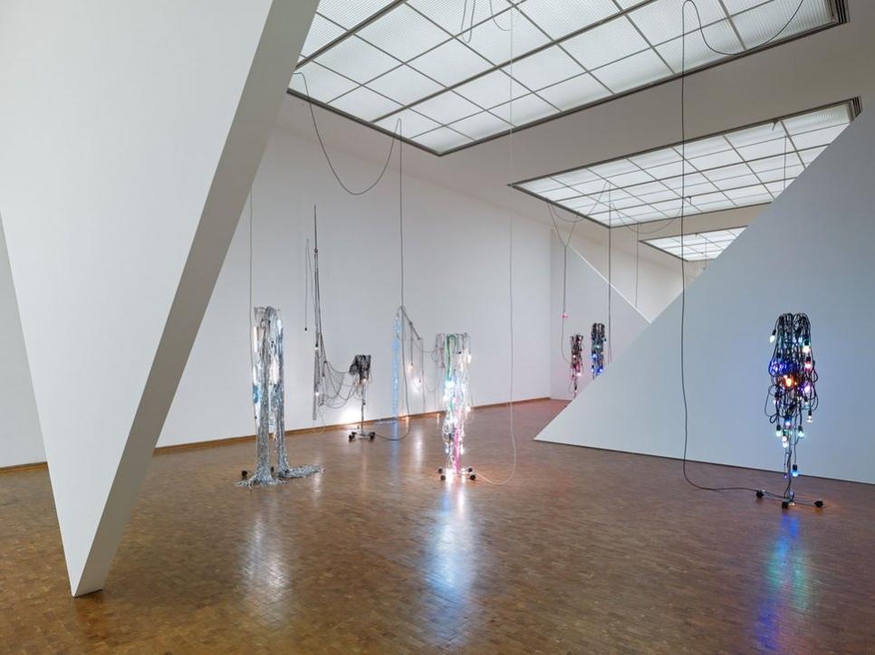 Haegue Yang participa en Museum Ludwig en Colonia con su exposición Eta 1994–2018