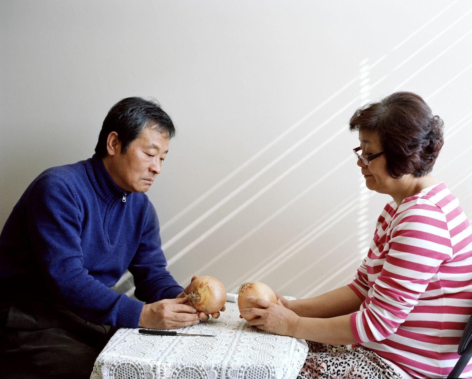 JINYOUNG KIM | PARENTS | A CONVERSATION | C-PRINT | 20 X 24 INCHES | 2013