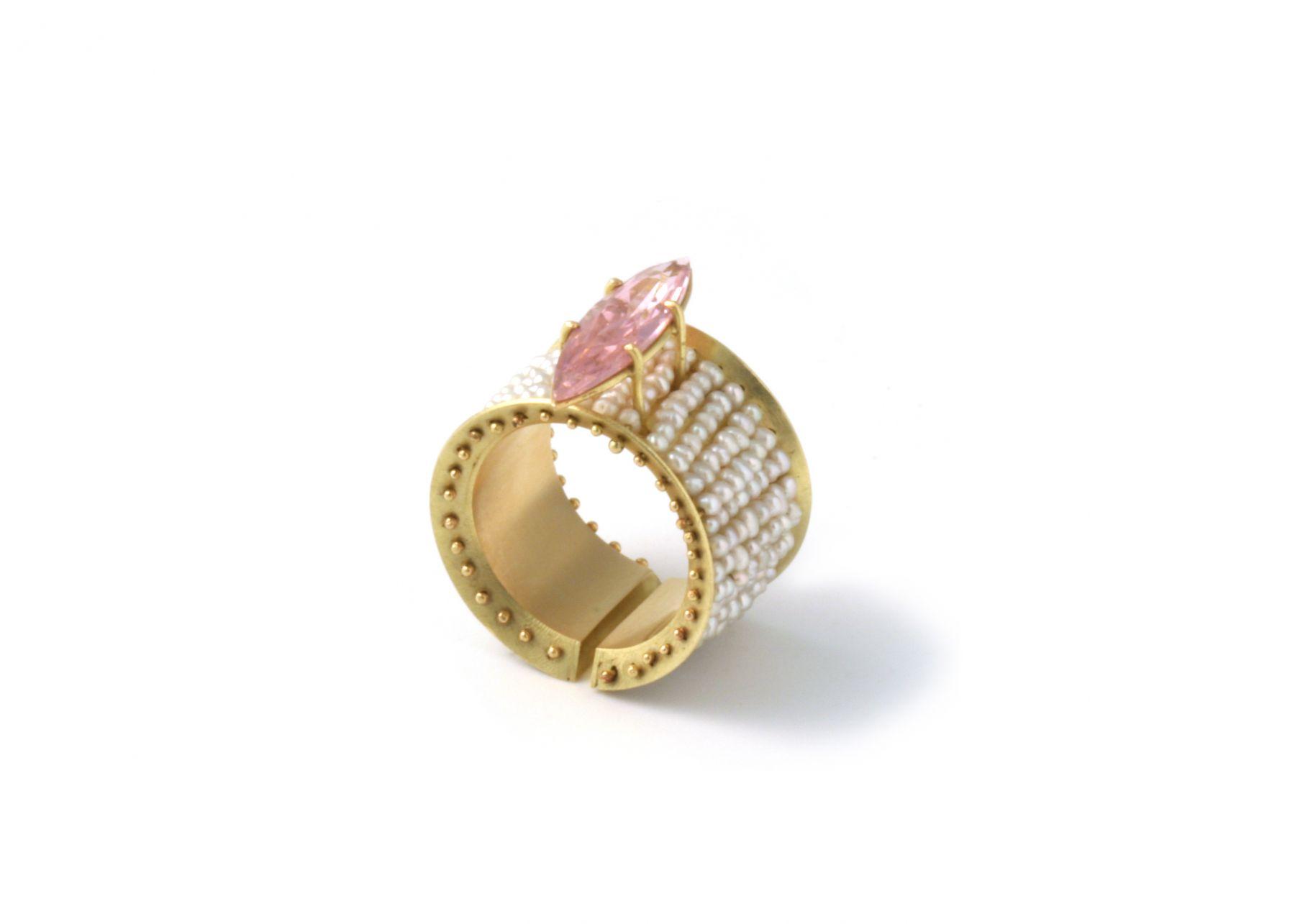 Philip Sajet, jewelry, Dutch Design, gold, enamel, pearls