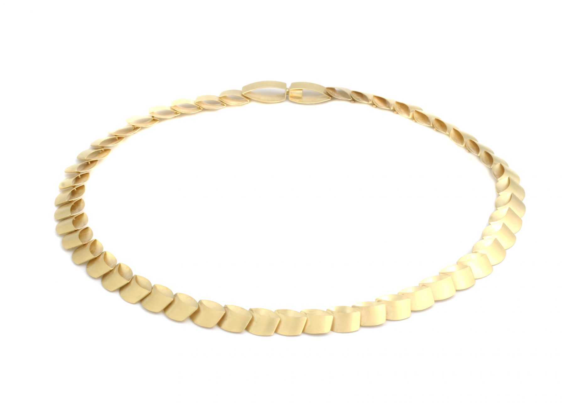 Dorothee Striffler, gold necklace