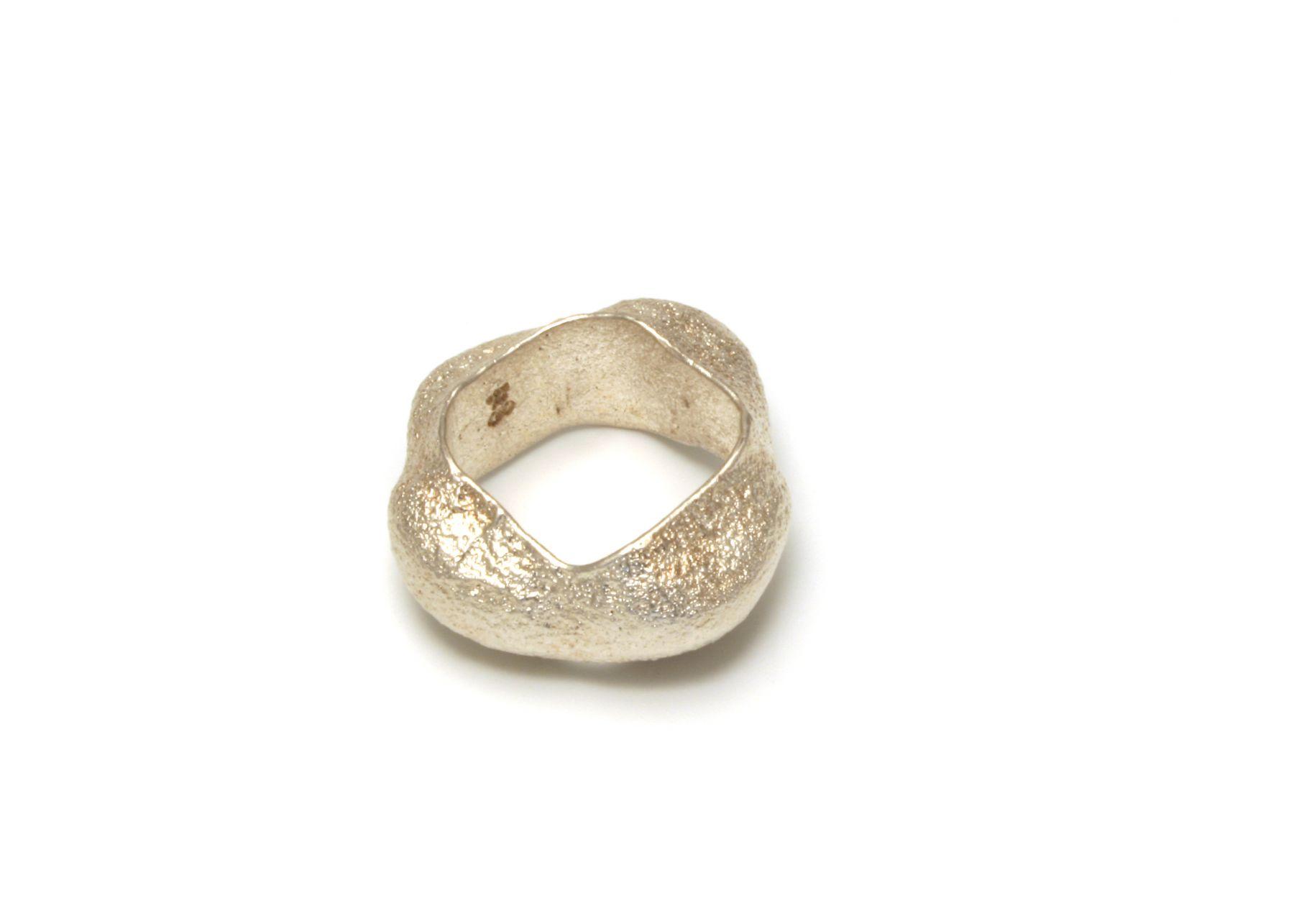 Johanna Dahm Fast Ashanti ring