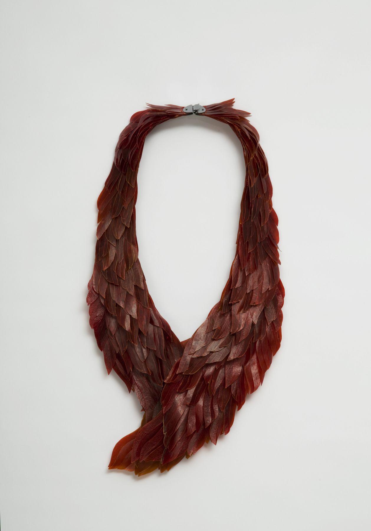 Eunmi Chun, Korea, Germany, necklace, cow intenstine, gut, wings feathers