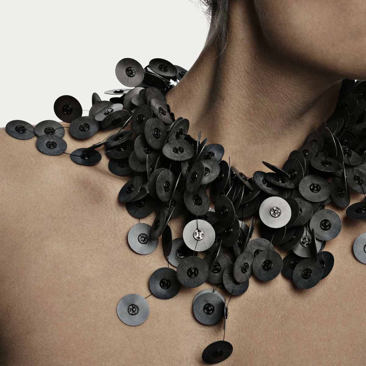 Camilla Prasch, contemporary jewelry, silicone, snaps, Danish