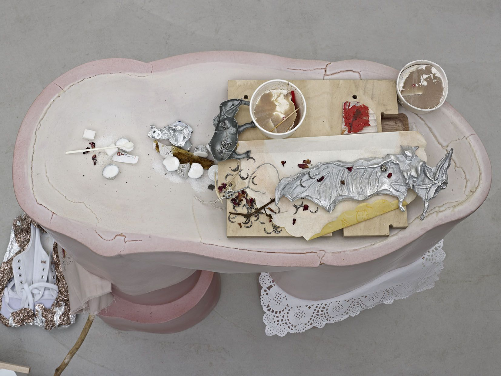 Helen Marten, Candy Mandible Mrs, 2014 (detail)
