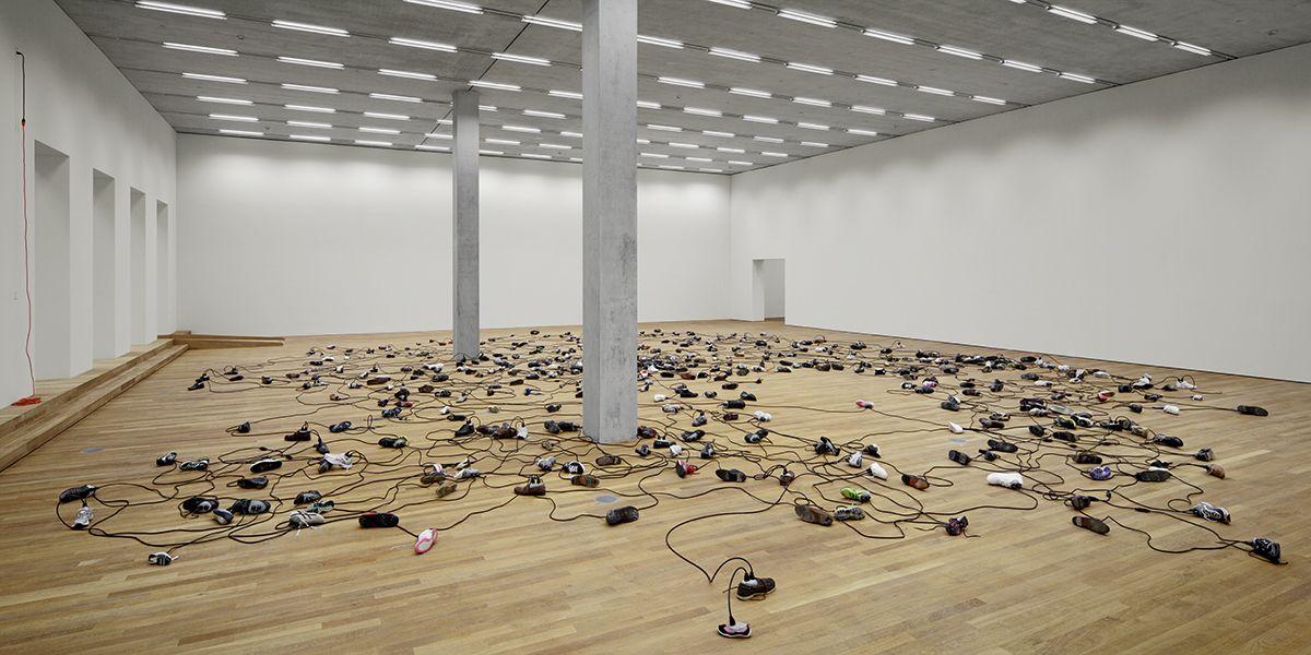 Master Argument, 2013, Cords, shoes, concrete