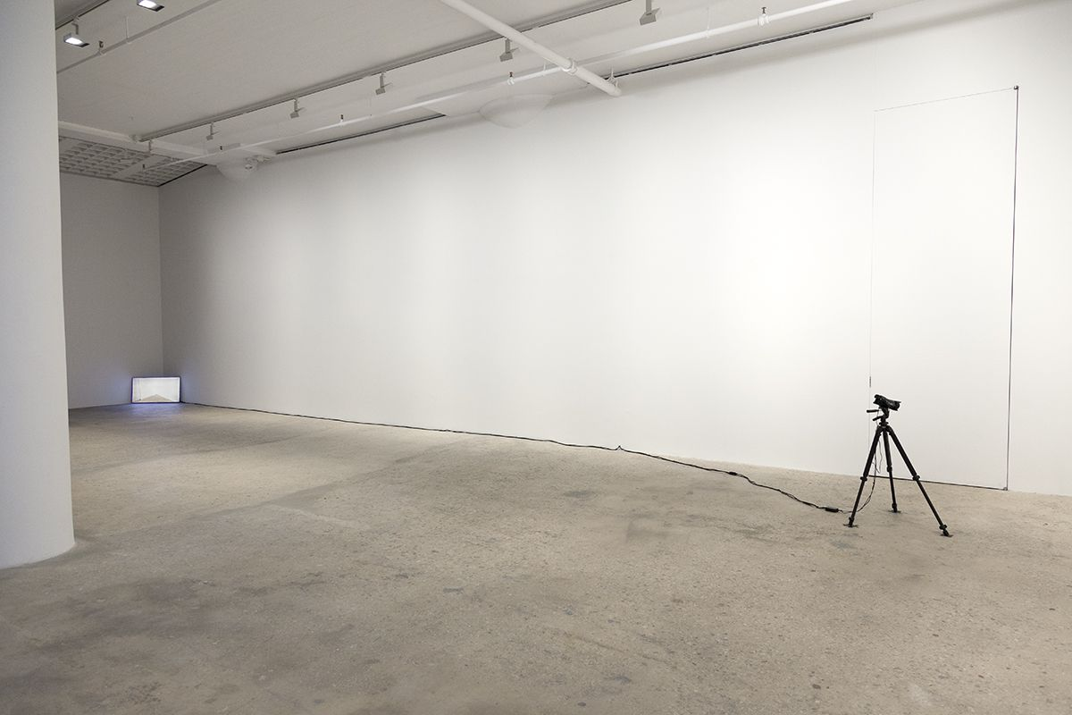 John Knight Corner displacement , 1970 Closed circuit video Dimensions Variable