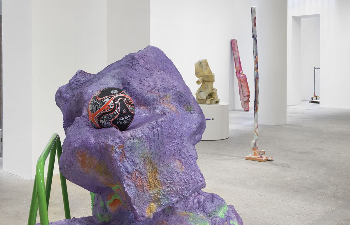 Installation view, Prasine, Greene Naftali, New York, 2017