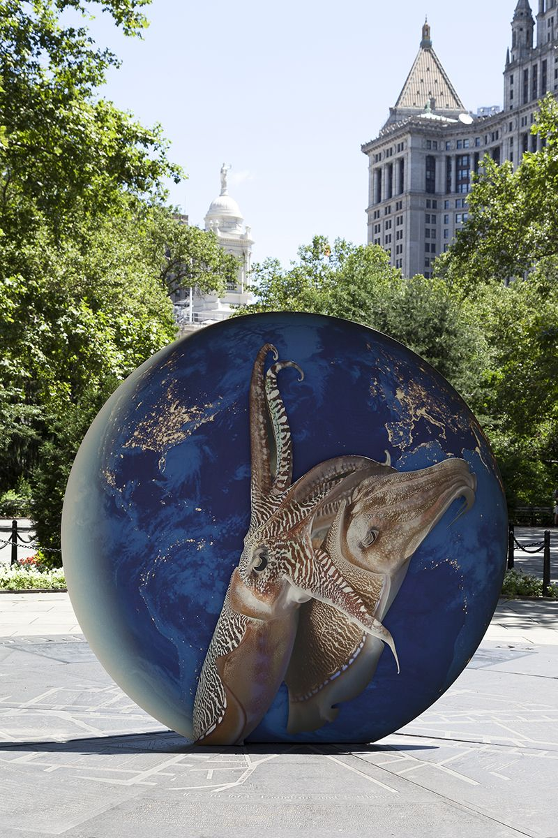 Katja Novitskova, Installation view, EARTH POTENTIAL, Public Art Fund, City Hall Park, New york, 2017