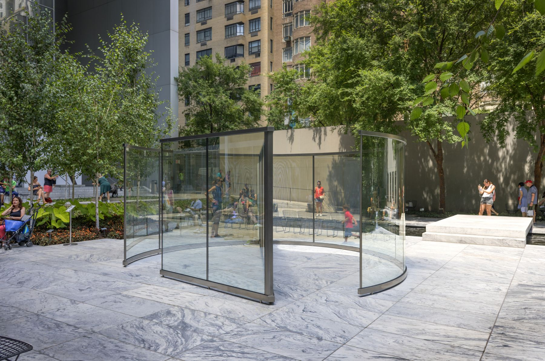 Dan Graham,Child's Play,2016, Installation view, The Museum of Modern Art, 2017