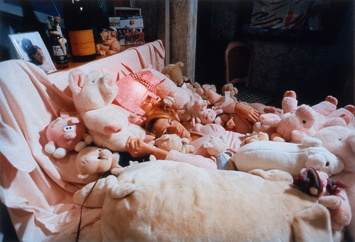 Daniela Rossell, Untitled (Ilona and her pigs), 1997, cibachrome, 11 x 16 inches