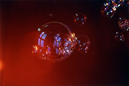 Patterson Beckwith, Untitled (bubble), 2006, C-print, 16 x 20 inches