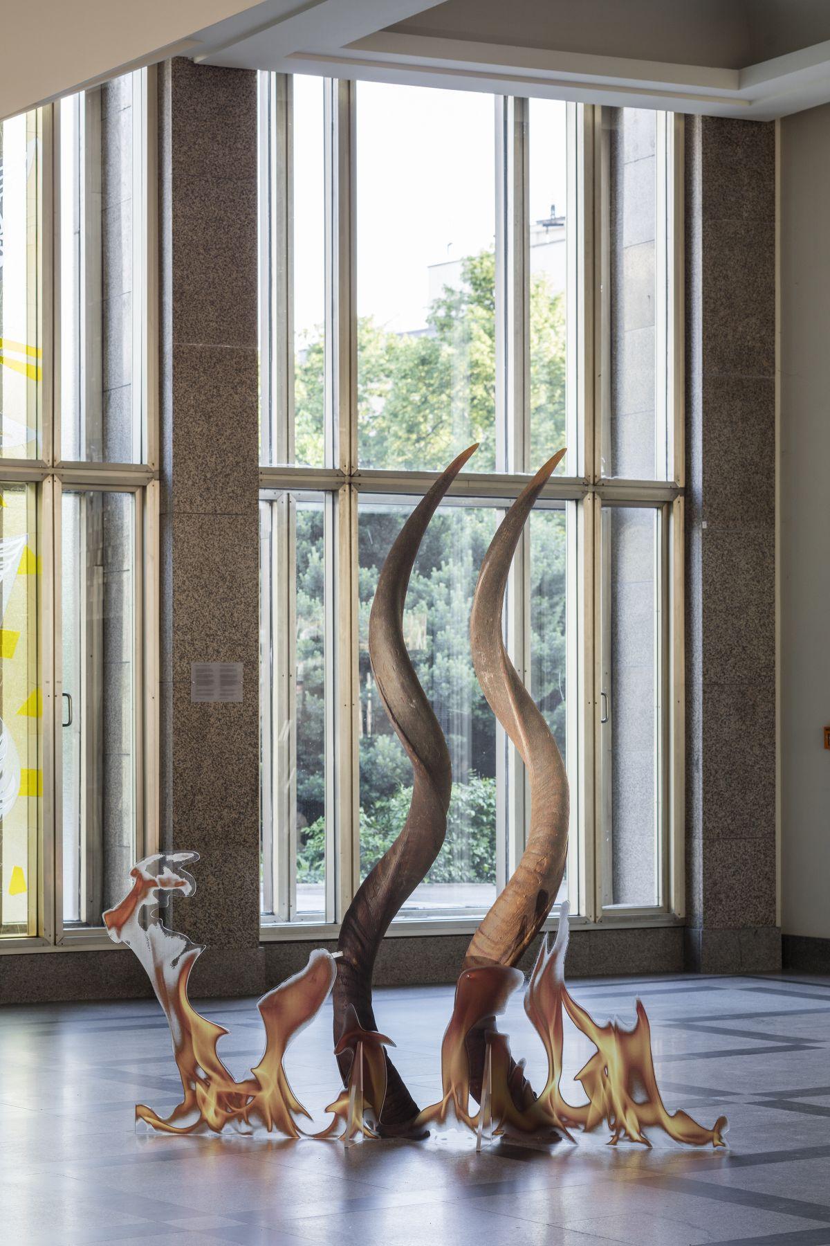 Katja Novitskova, Neolithic Potential (Fire Worship, Spiral Horns), 2016