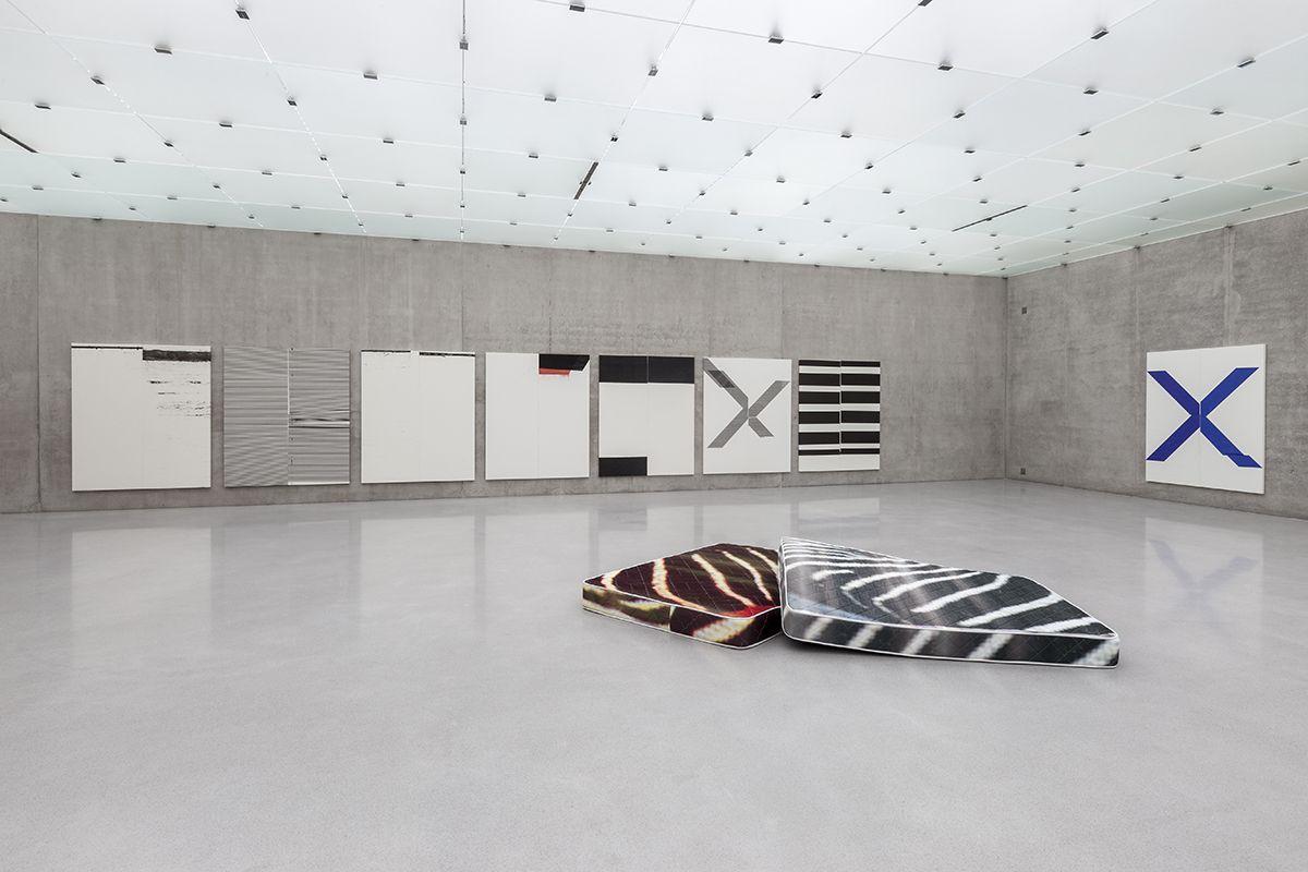 Installation view, WADE GUYTON, GUYTON\WALKER, KELLEY WALKER, Kunsthaus Bregenz, Bregenz, 2013