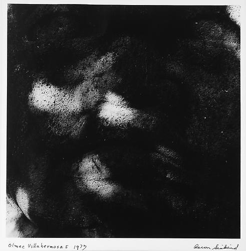 AARON SISKIND  Olmec Villahermosas 5 1973