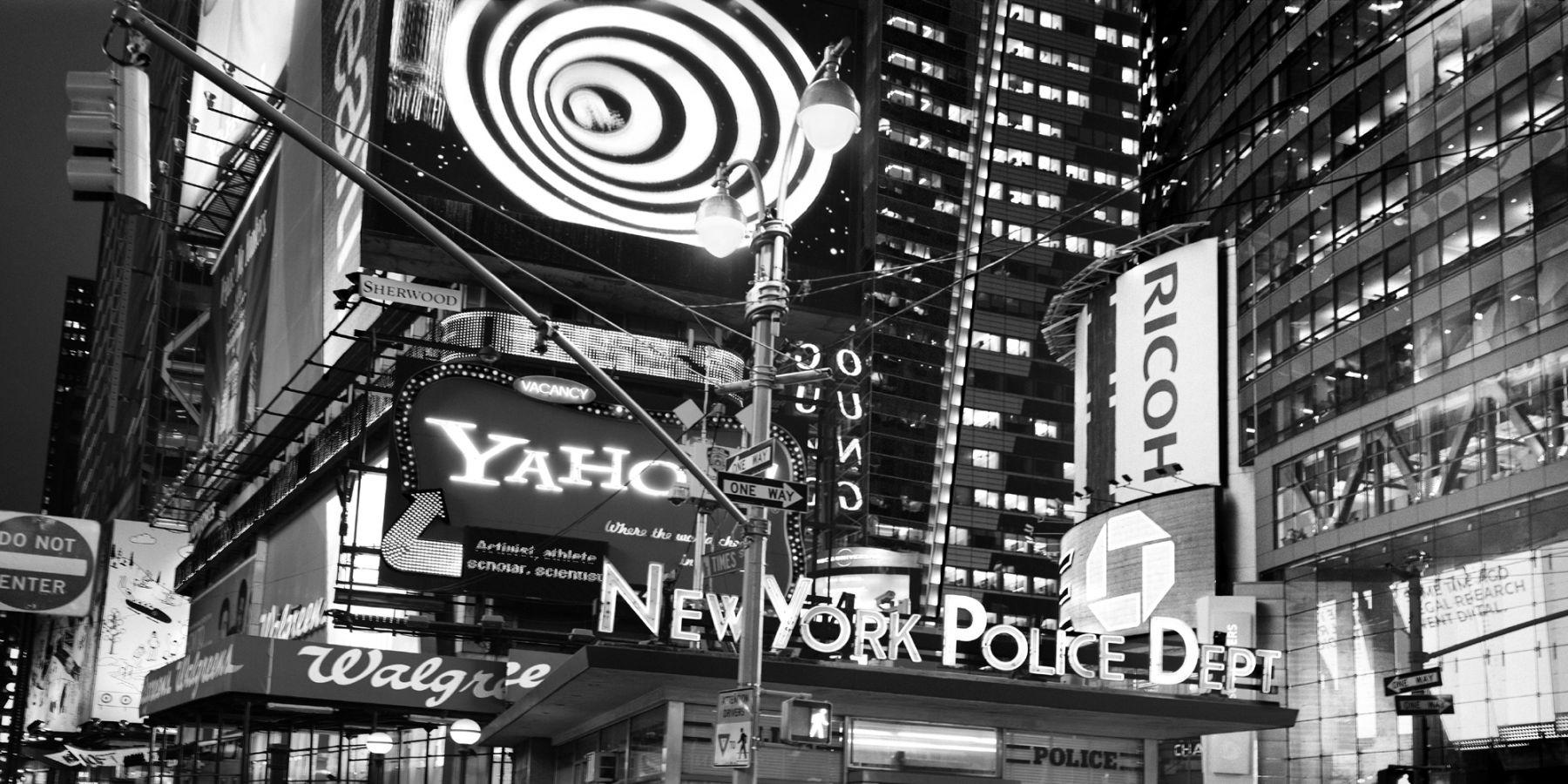 Leo Rubinfien, In Times Square