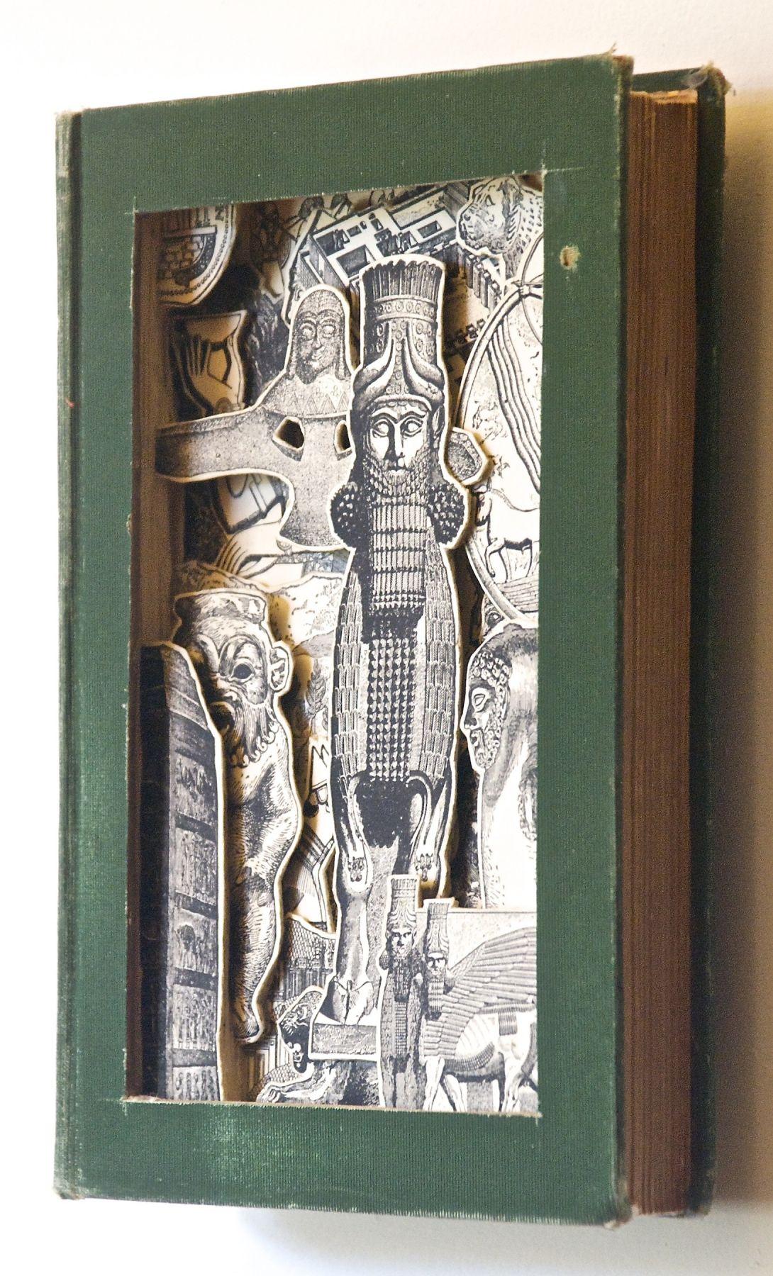 TONY DAGRADI, Assyeria (1901) (sideview), 2018