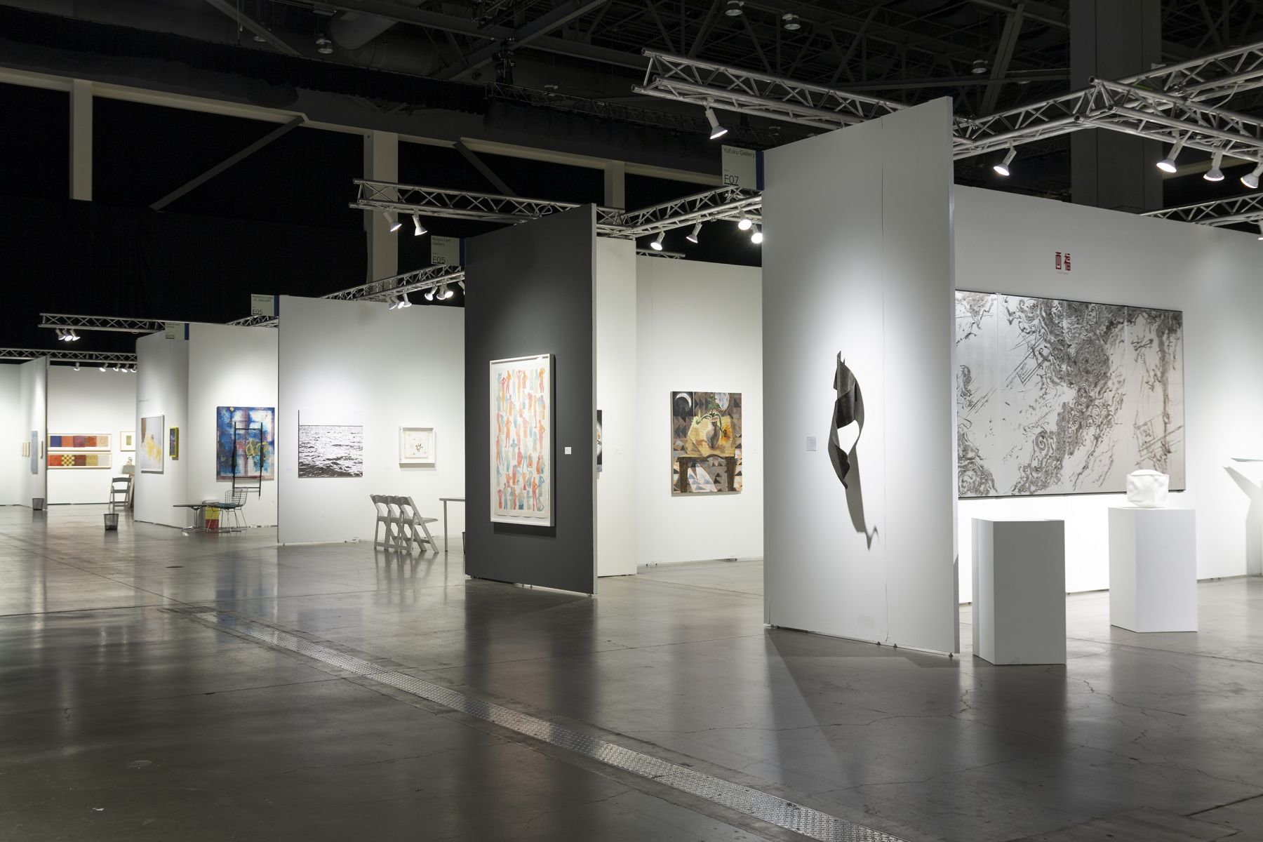 Russo Lee Gallery - Seattle Art Fair 2018 - Booth F05_view09
