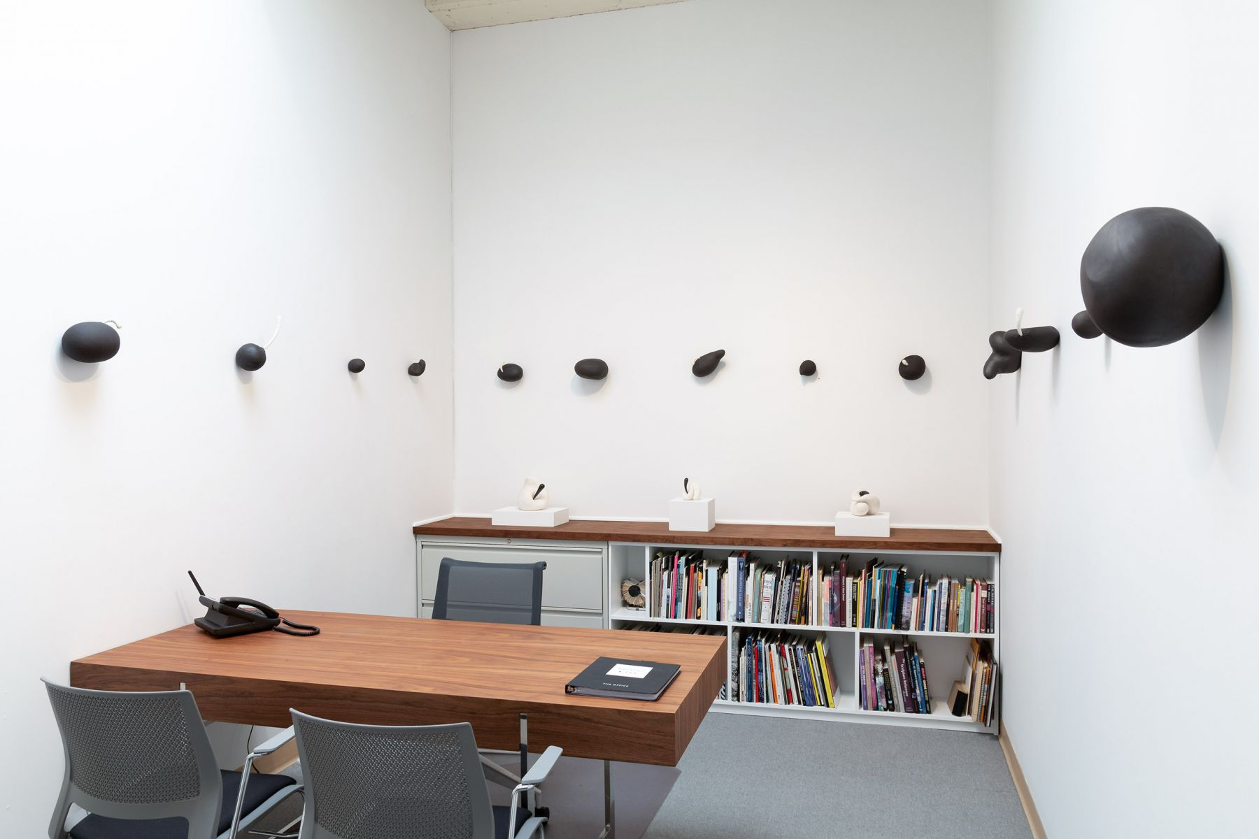"""Maya Vivas - selections from """"i have no choice but to suck the juice out, and who am i to blame"""" - July/August 2019 - Russo Lee Gallery - Installation view 01"""