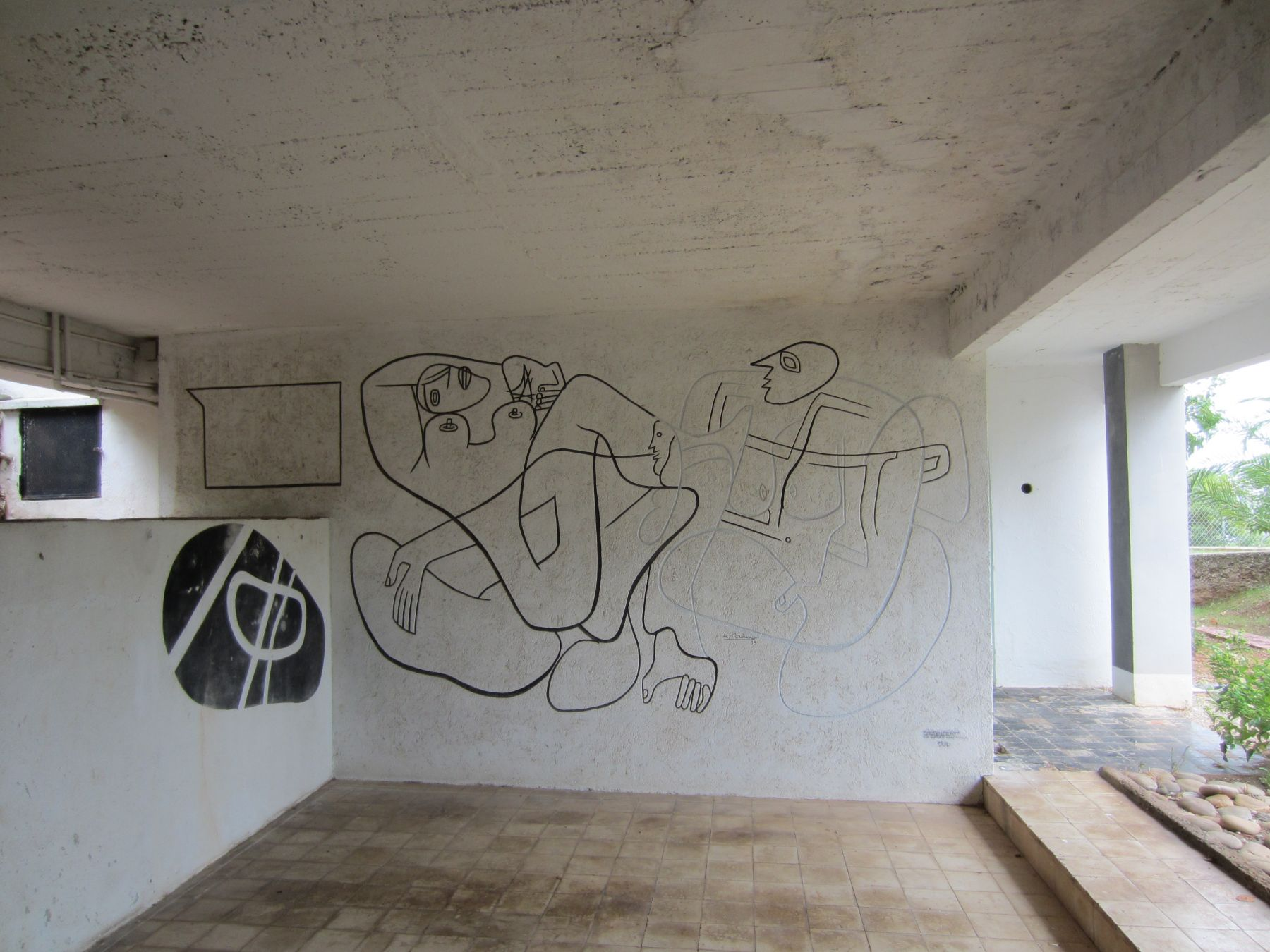 A mural by Le Corbusier under E.1027 © Michelle Brown