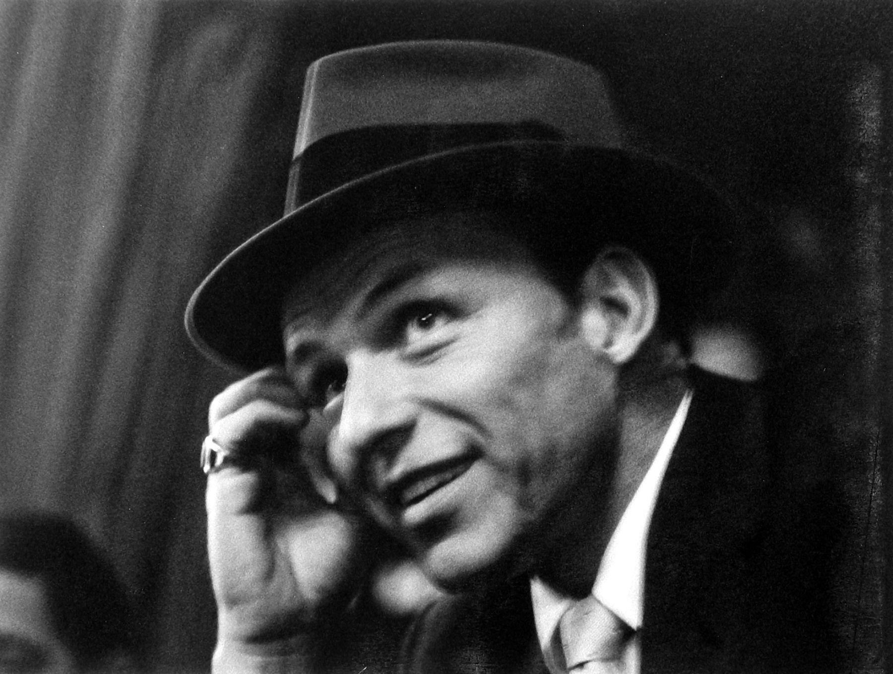 Ray Fisher - Frank Sinatra, Miami Beach, Florida, 1958 - Howard Greenberg Gallery