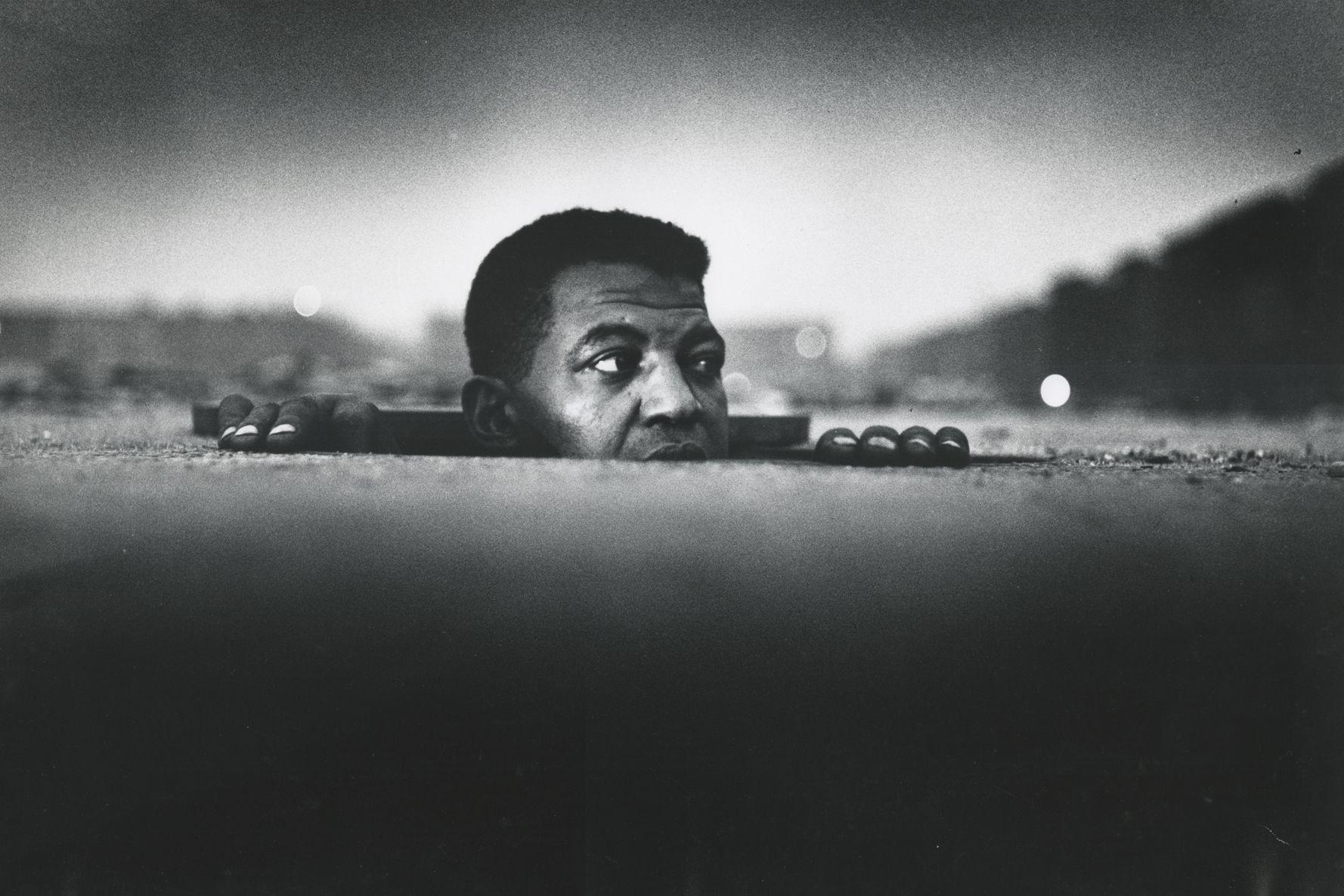Gordon Parks - Man Emerging, Harlem, New York, 1952 - Howard Greenberg Gallery - 2019