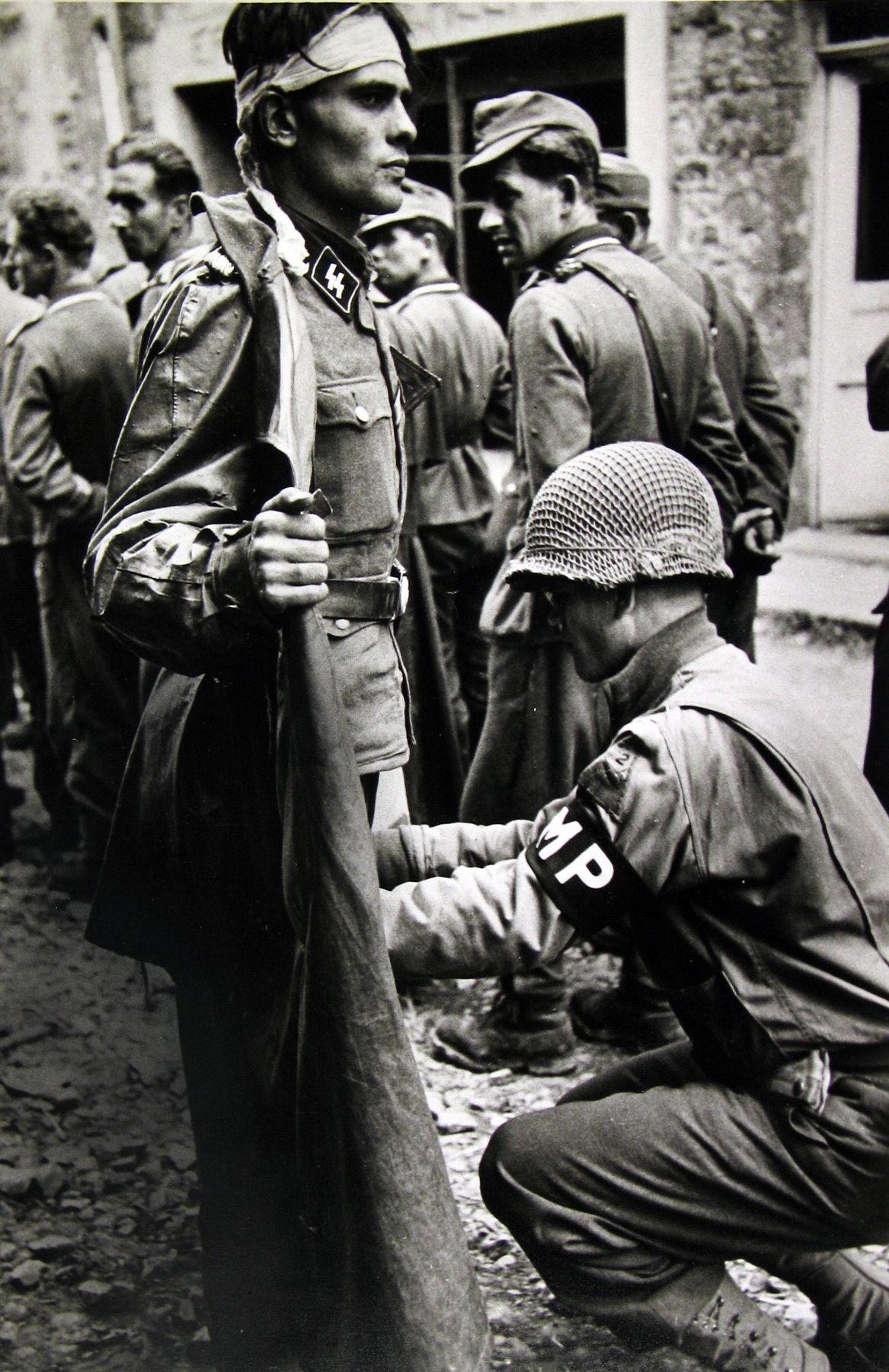 Robert Capa - War, 1939-45 - Howard Greenberg Gallery