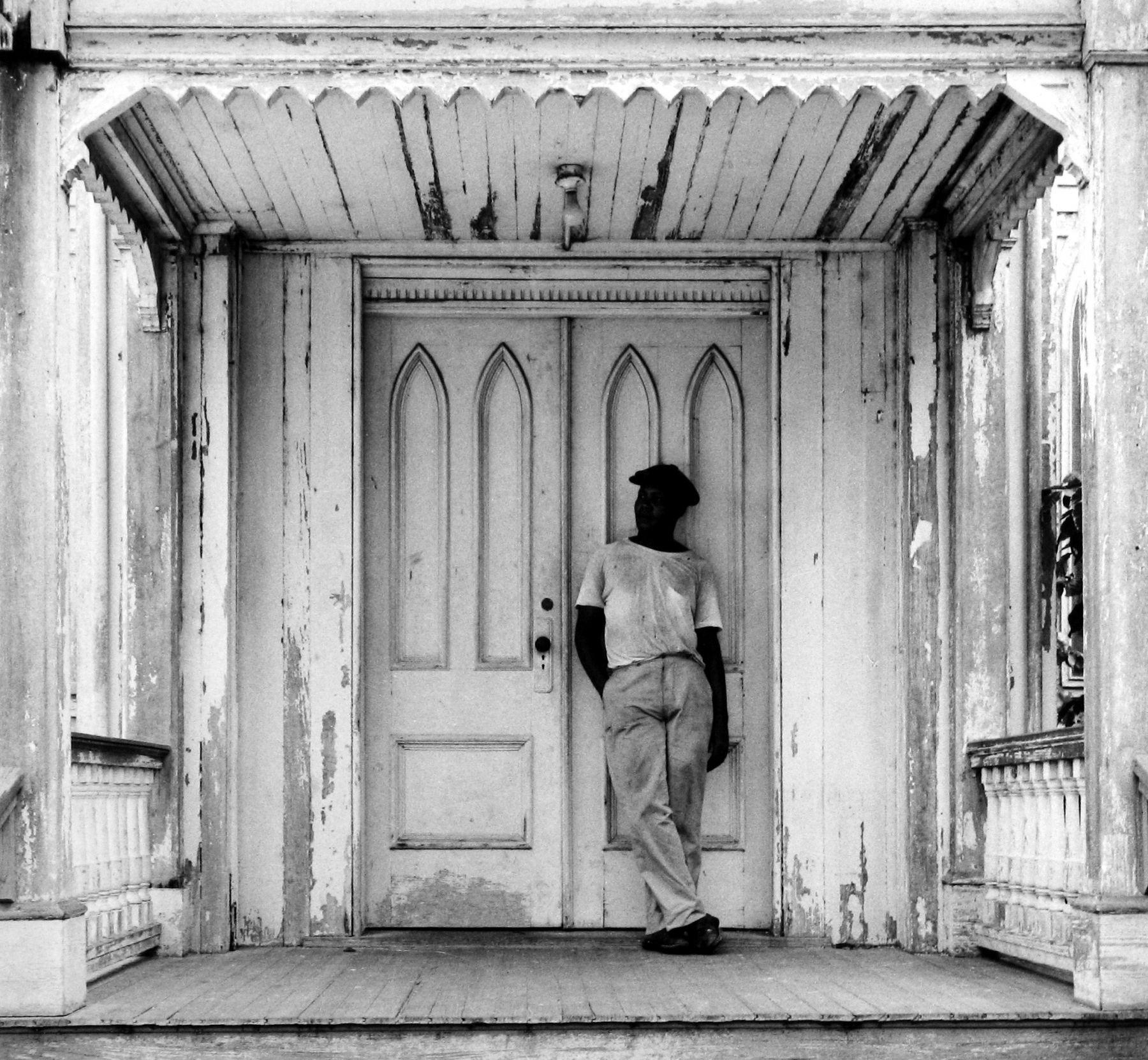 Arnold Newman - Man on Church Porch, West Palm Beach, FL, 1941 - Howard Greenberg Gallery - 2018