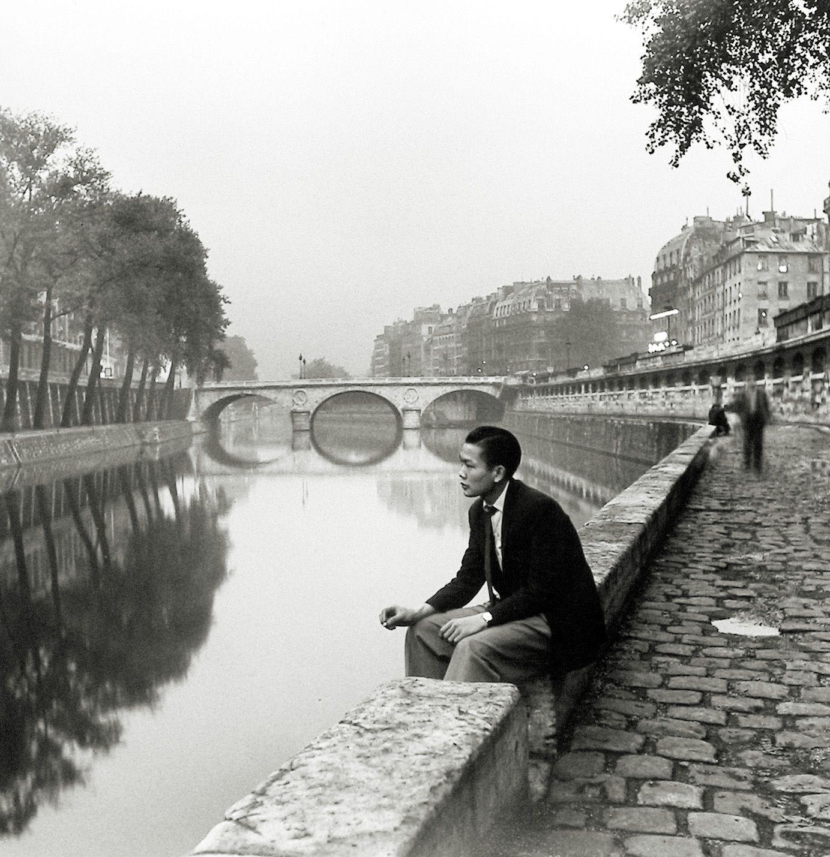 Louis Stettner - Twilight, Near Place St. Michel, Paris, 1950 - Howard Greenberg Gallery