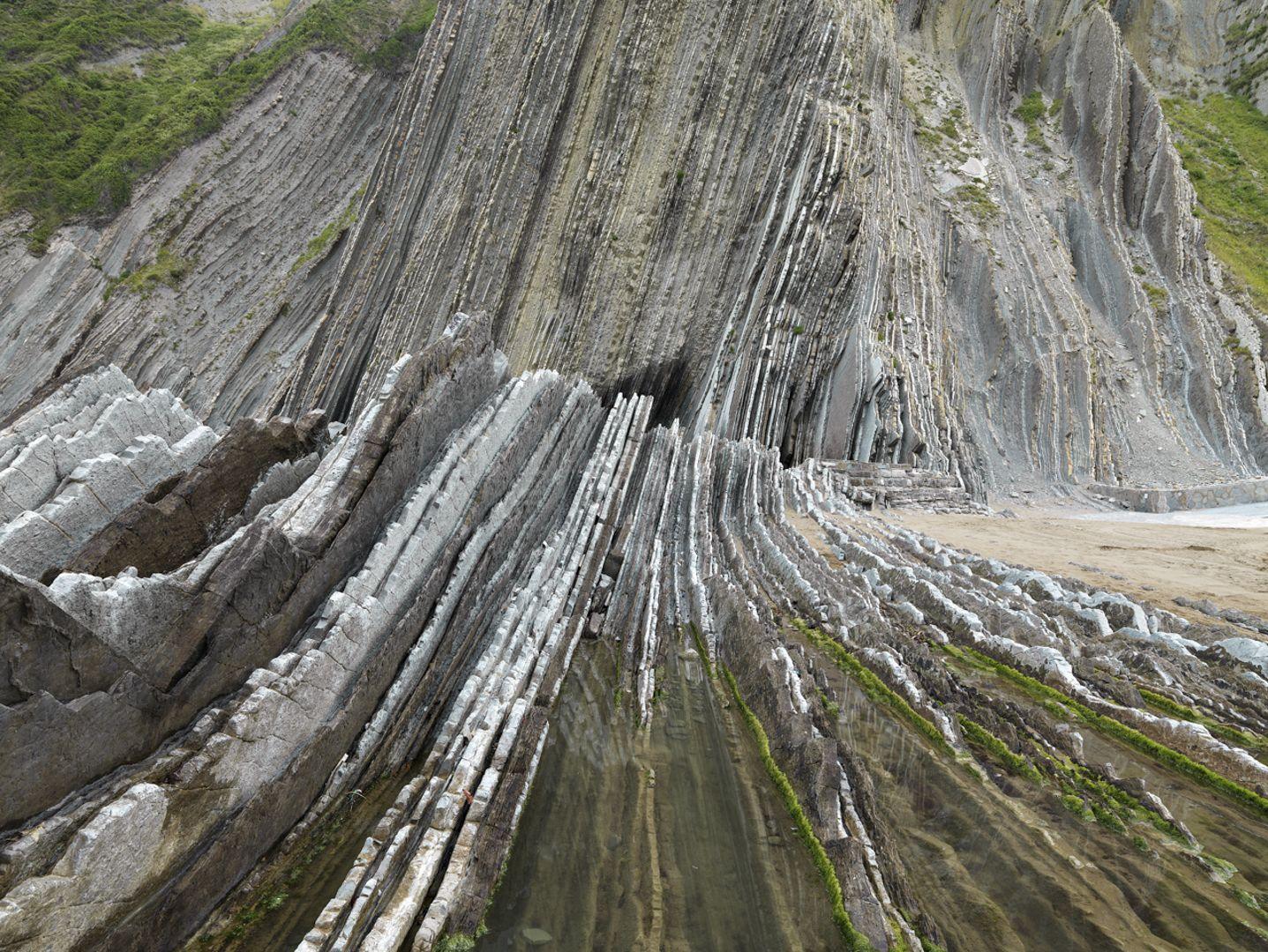 Edward Burtynsky - Basque Coast #1, UNESCO, Geopark, Zumaia, Spain 1/9, 2015 - Howard Greenberg Gallery - 2018