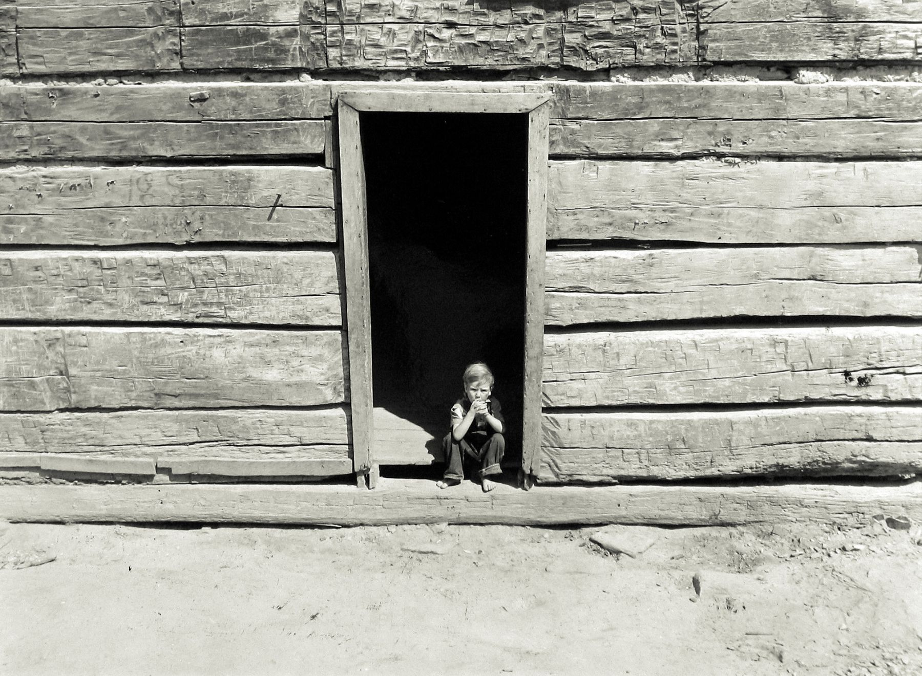 Marion Post-Wolcott - Old Mountain Cabin Made of Hand Hewn Logs, near Jackson, Breathitt County, Kentucky, September 1940 - Howard Greenberg Gallery