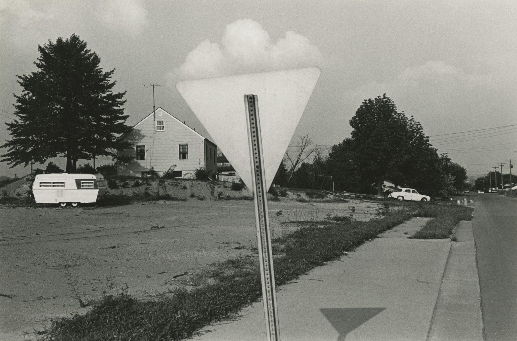 Lee Friedlander - Knoxville, 1971 - Howard Greenberg Gallery - 2018