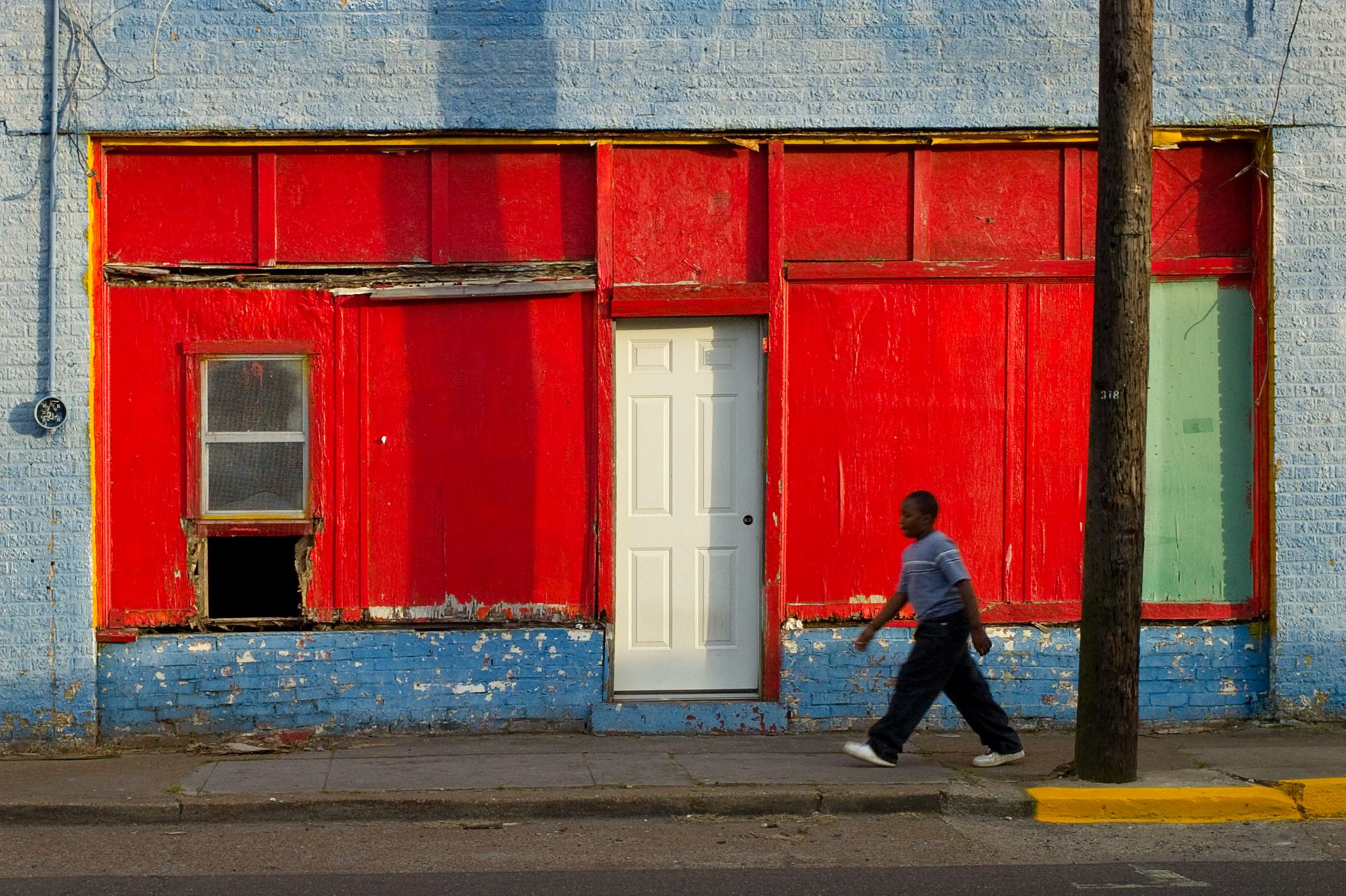 Magdalena Solé, Mississippi Delta, 4th Street and Issaquena, Clarksdale, 2010, Sous Les Etoiles Gallery