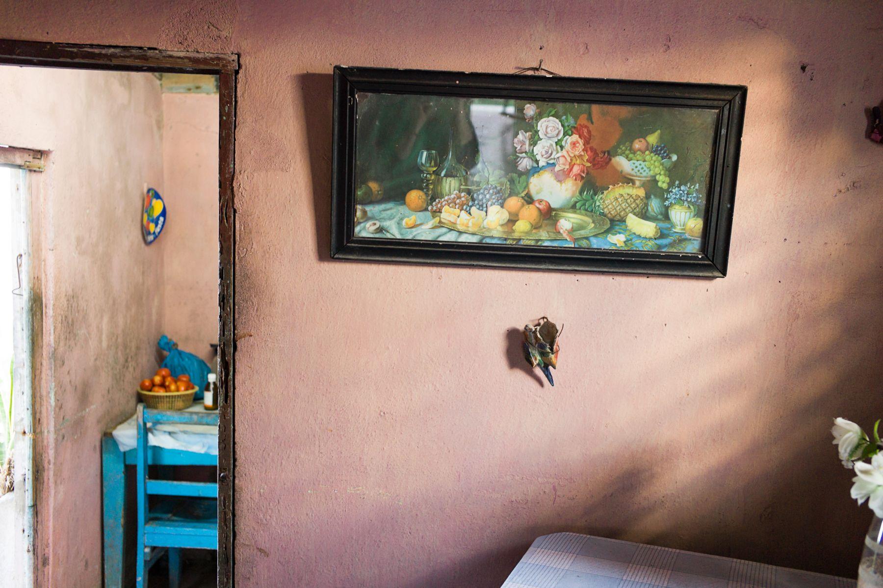 Magdalena Solé, Cuba - Hasta Siempre (Cuba Forever), Home in Pink, Gibara, 2013, Sous Les Etoiles Gallery