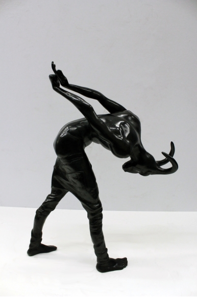 Action 185, 2016, Bronze, 15.7 x 7 x 14.2 in / 40 x 18 x 36 cm