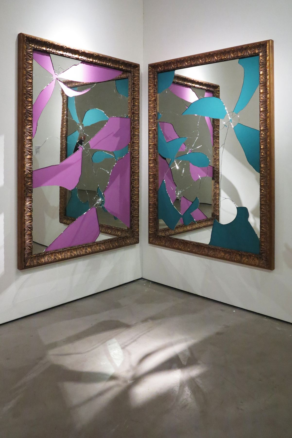 Two Less One colored, 2014, Mirror, gilded wood