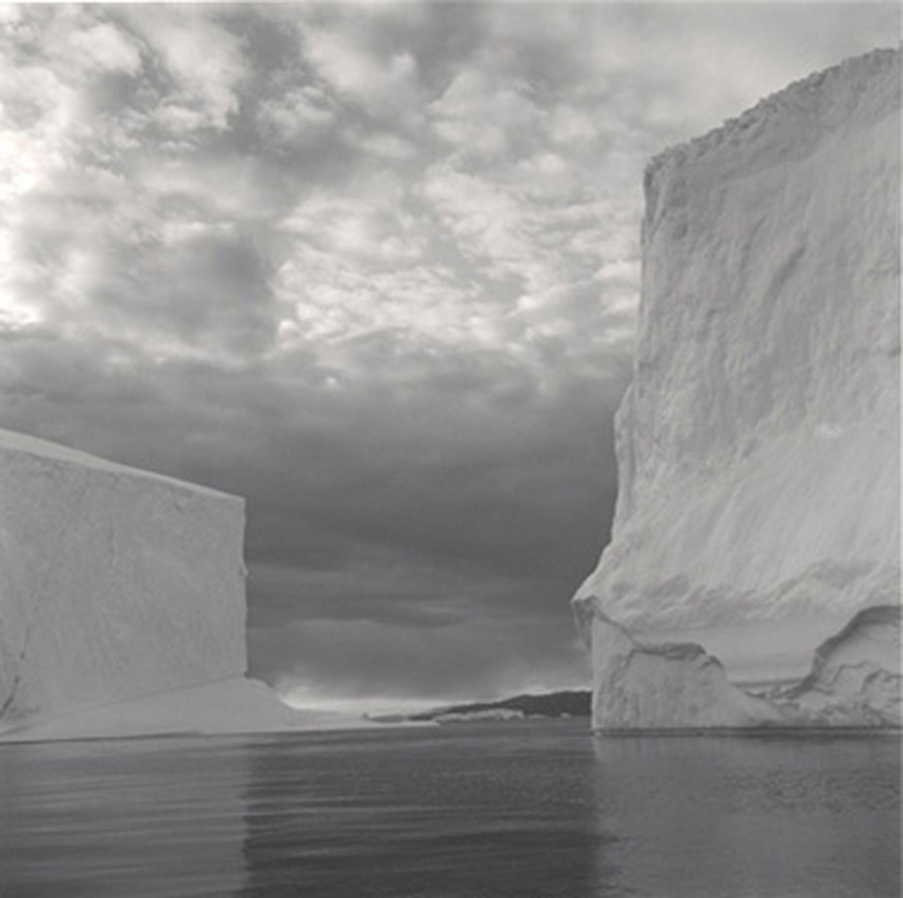 Lynn Davis Iceberg 23, Disko Bay, Greenland, 2000