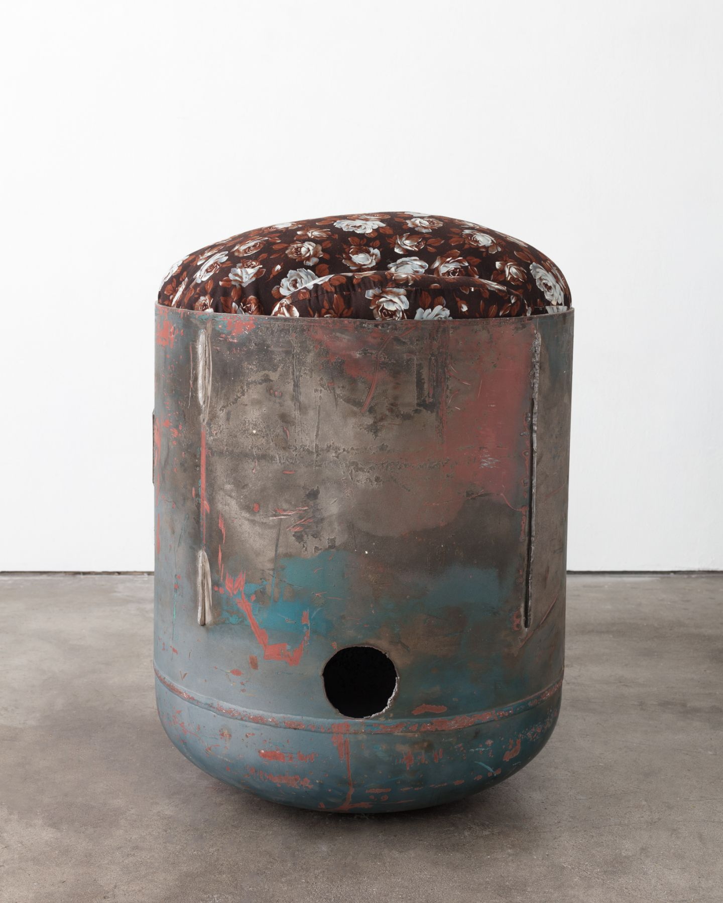 Elad Lassry, Untitled (Pod, Brown Floral, 2), 2018
