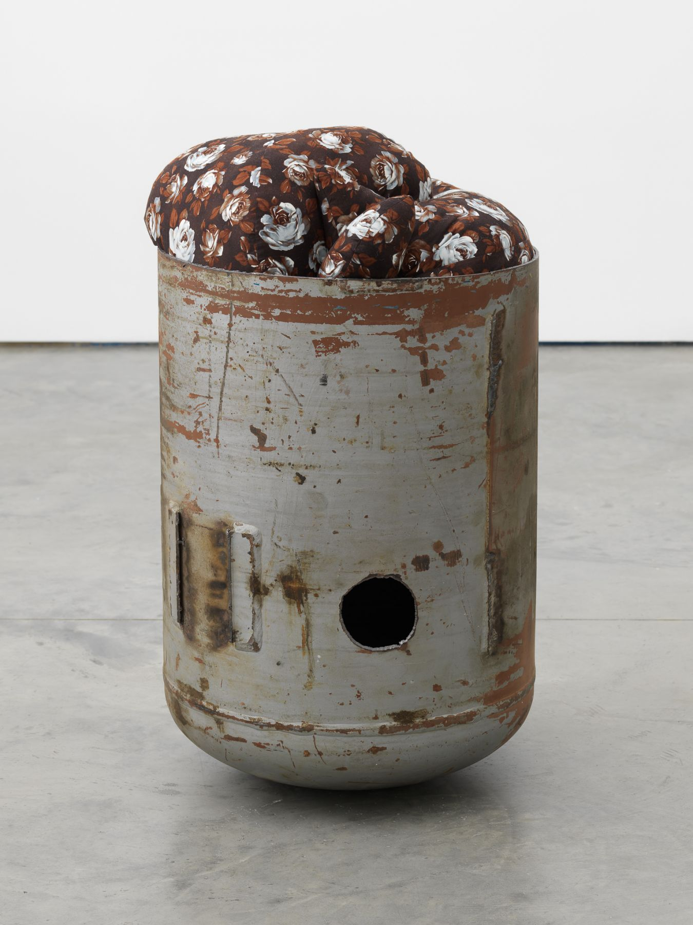 Elad Lassry, Untitled (Pod, Brown Floral, 3), 2018