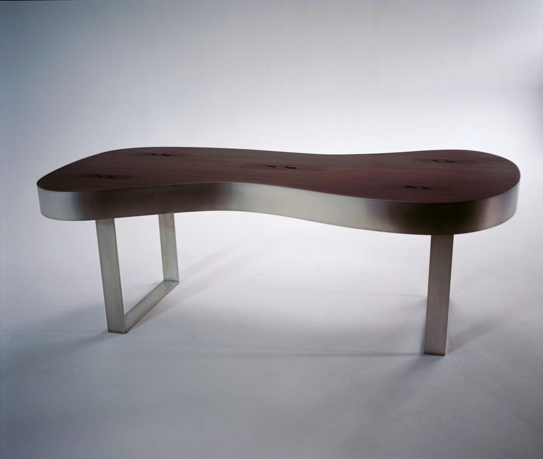 Doug Aitken, K-N-O-C-K-O-U-T (sonic table), 2005