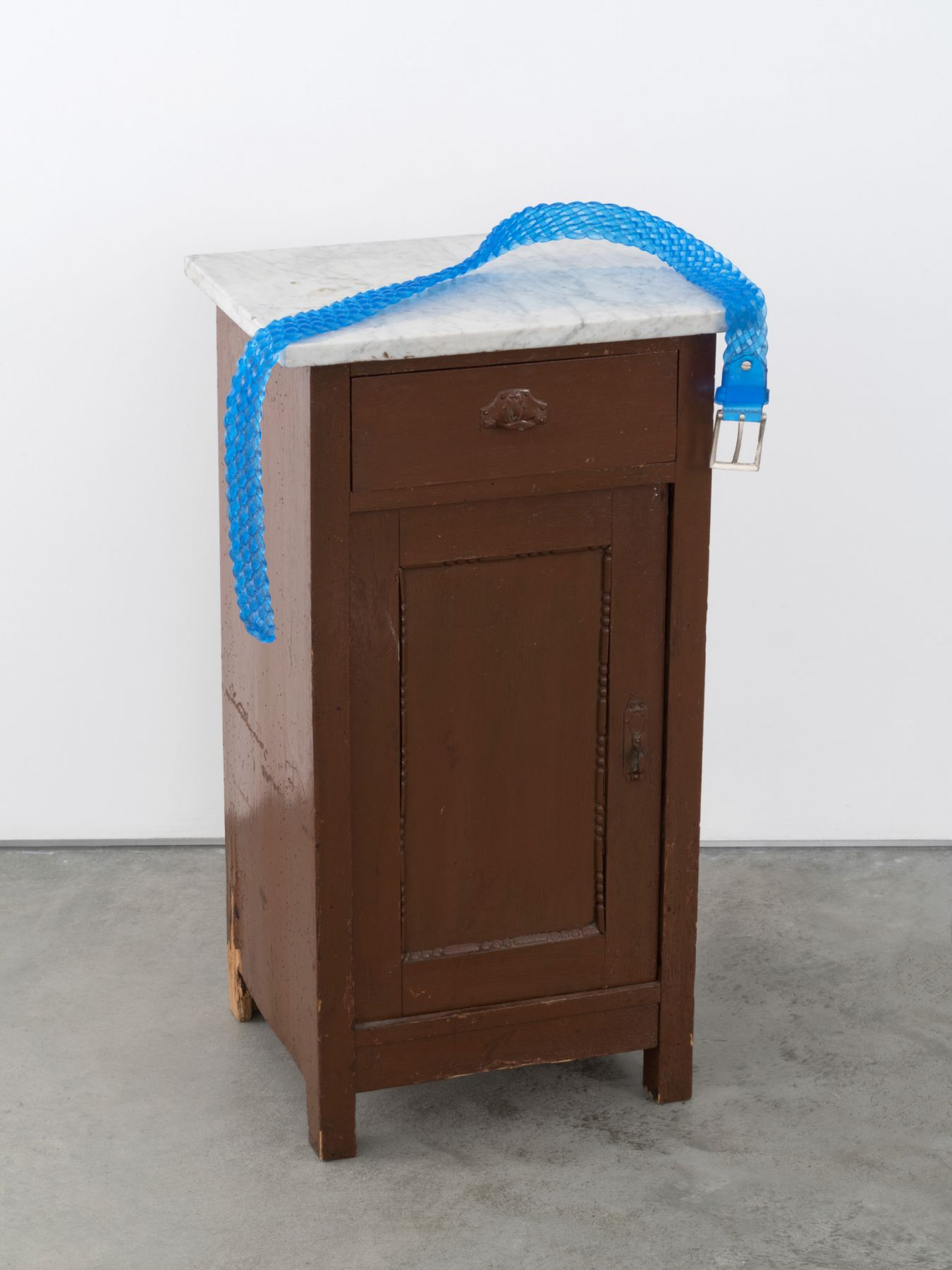 Valentin Carron, Belt on small cabinet, 2014