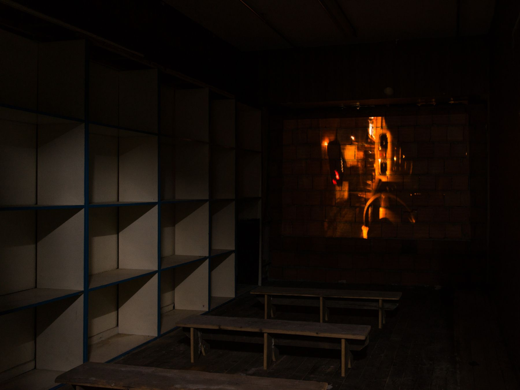 Mike Nelson, PROJEKTÖR (Gürün Han), 2019, commissioned and presented by Protocinema, Istanbul with support Henry Moore Foundation; Alserkal Arts Foundation; Galleria Franco Noero.