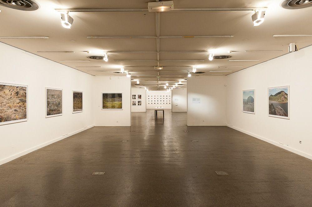 Stephen Shore, Installation view: Espace Van Gogh, Les Rencontres d'Arles, Arles