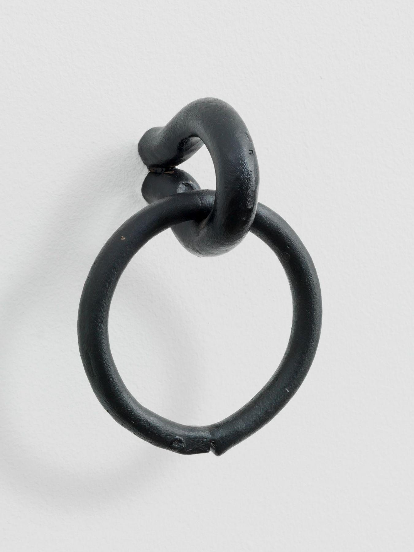 Valentin Carron, Cercle archaïque mate, 2011