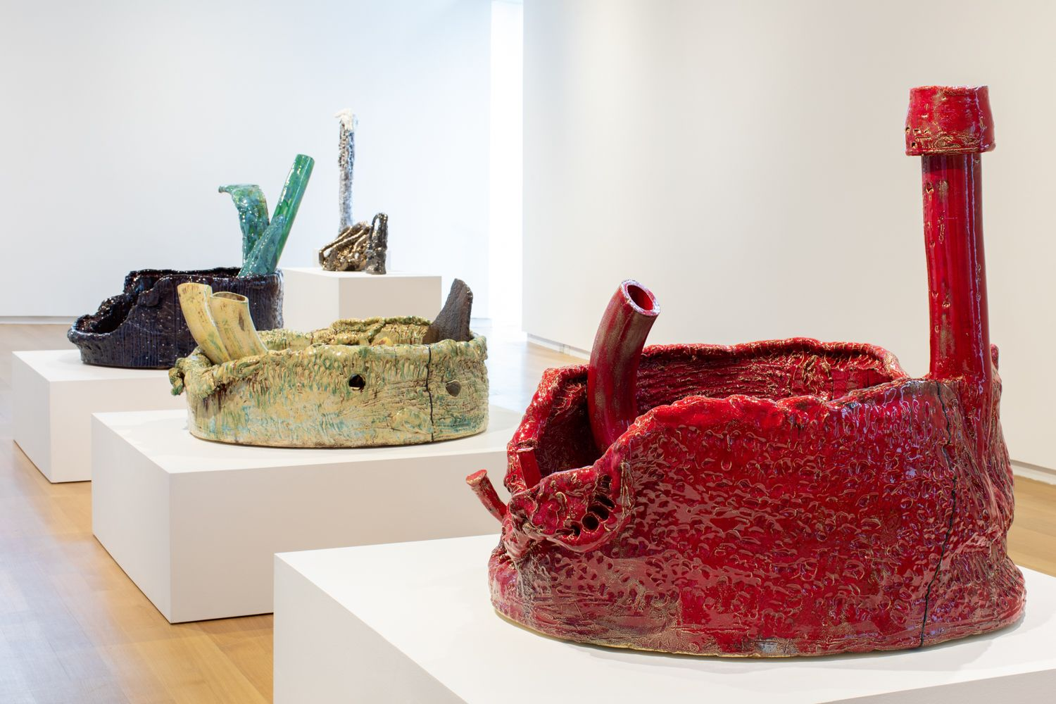 Installation view, Sterling Ruby: Ceramics, Museum of Arts and Design, New York, New York, 2018–2019