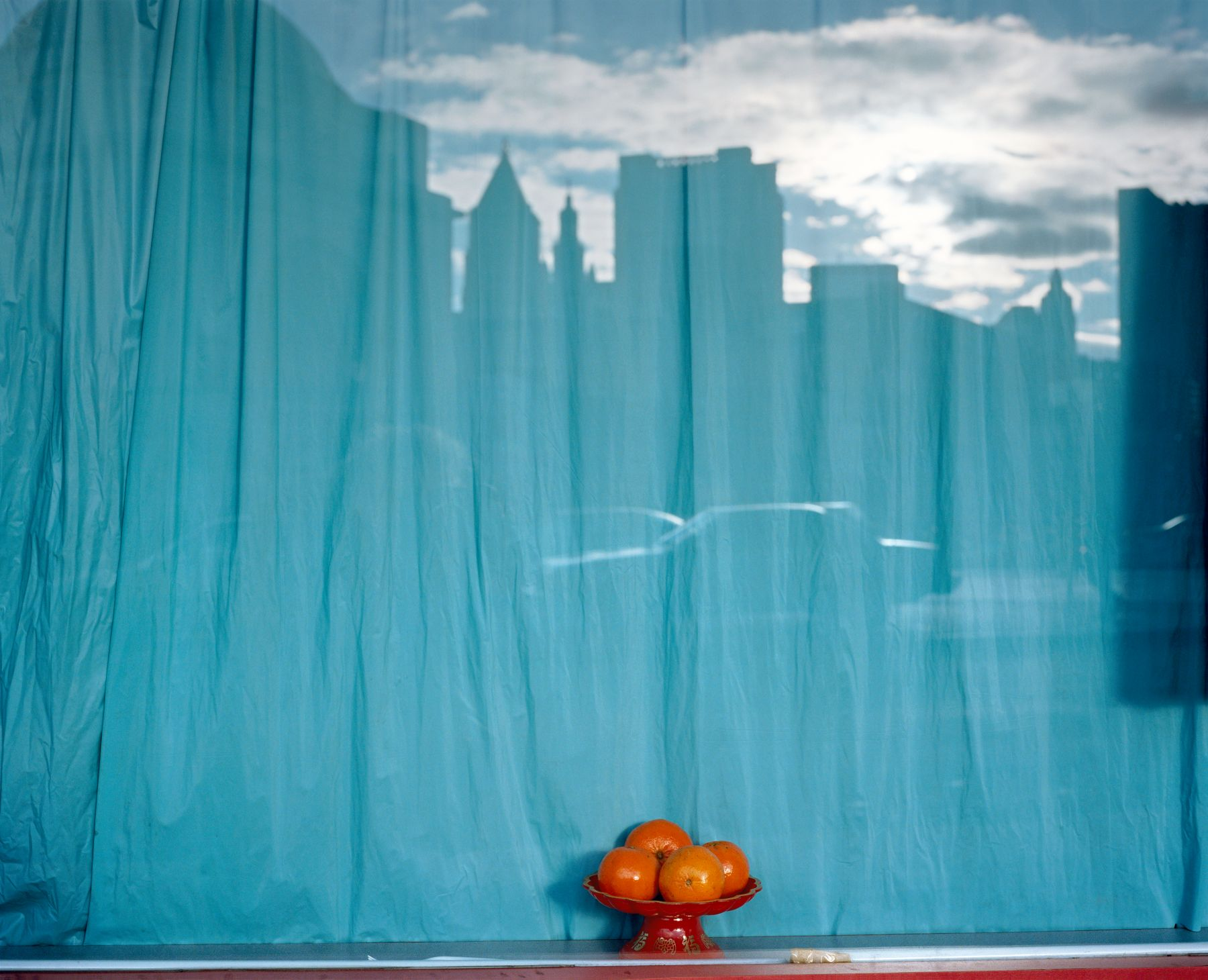 Untitled, New York #18, from the series The City, 1996. Chromogenic print,24 x 30 or 40 x 50 inches.