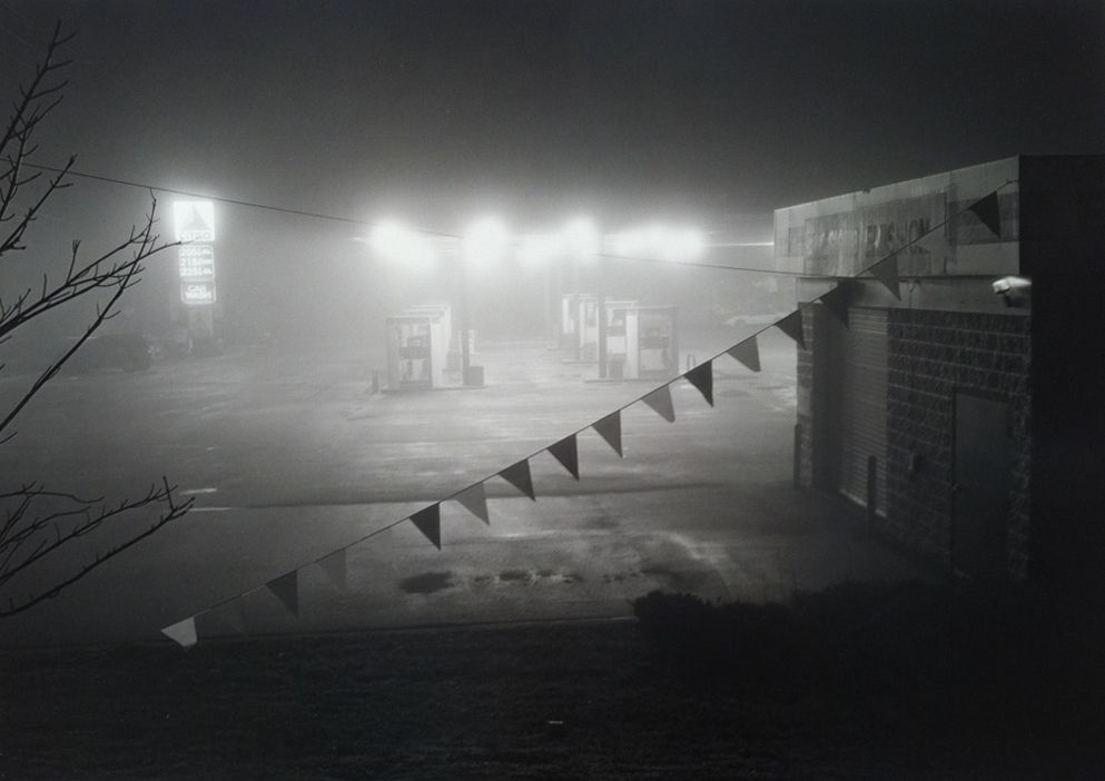 Mark Steinmetz,Gas Station, Conyers, GA, 1997. Gelatin silver print, 20 x 24 inches.