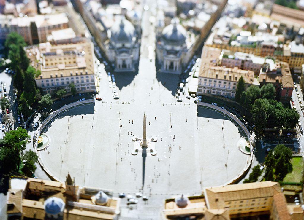 site specific_ROMA04 (Piazza del Popolo),2004, 45 x 61 inch or 65 x 85 inch archival pigment print