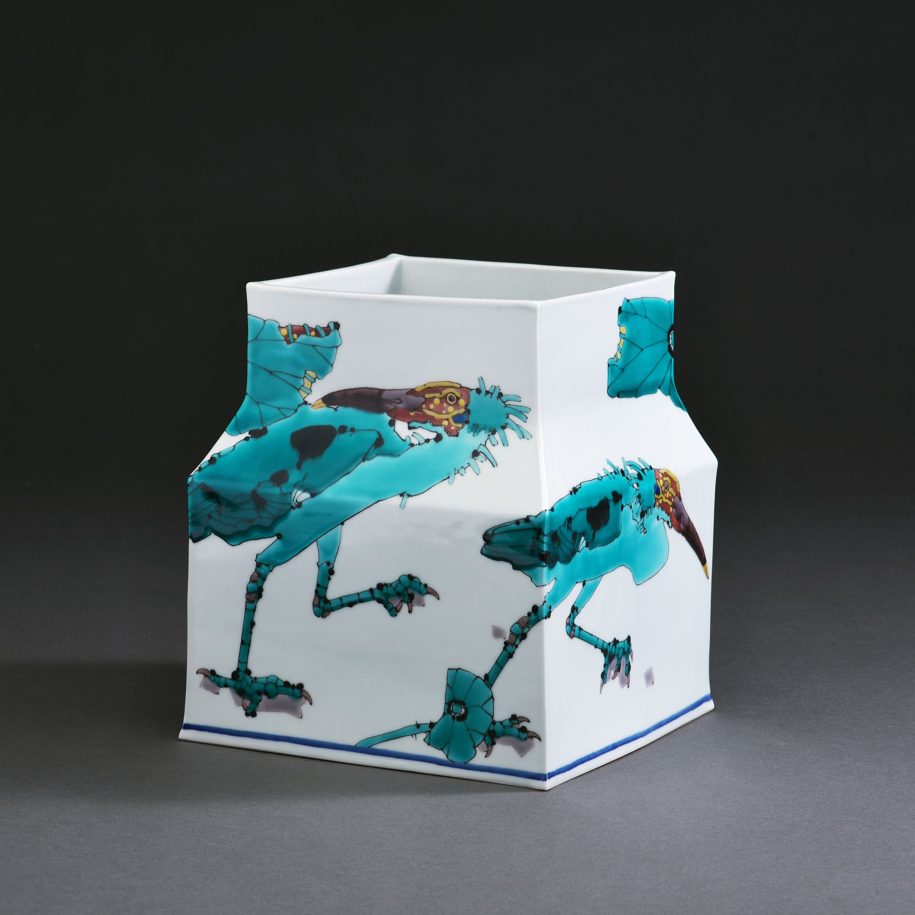 Square vessel with sloped shoulders depicting scenes of Japanese crested ibises, 2017