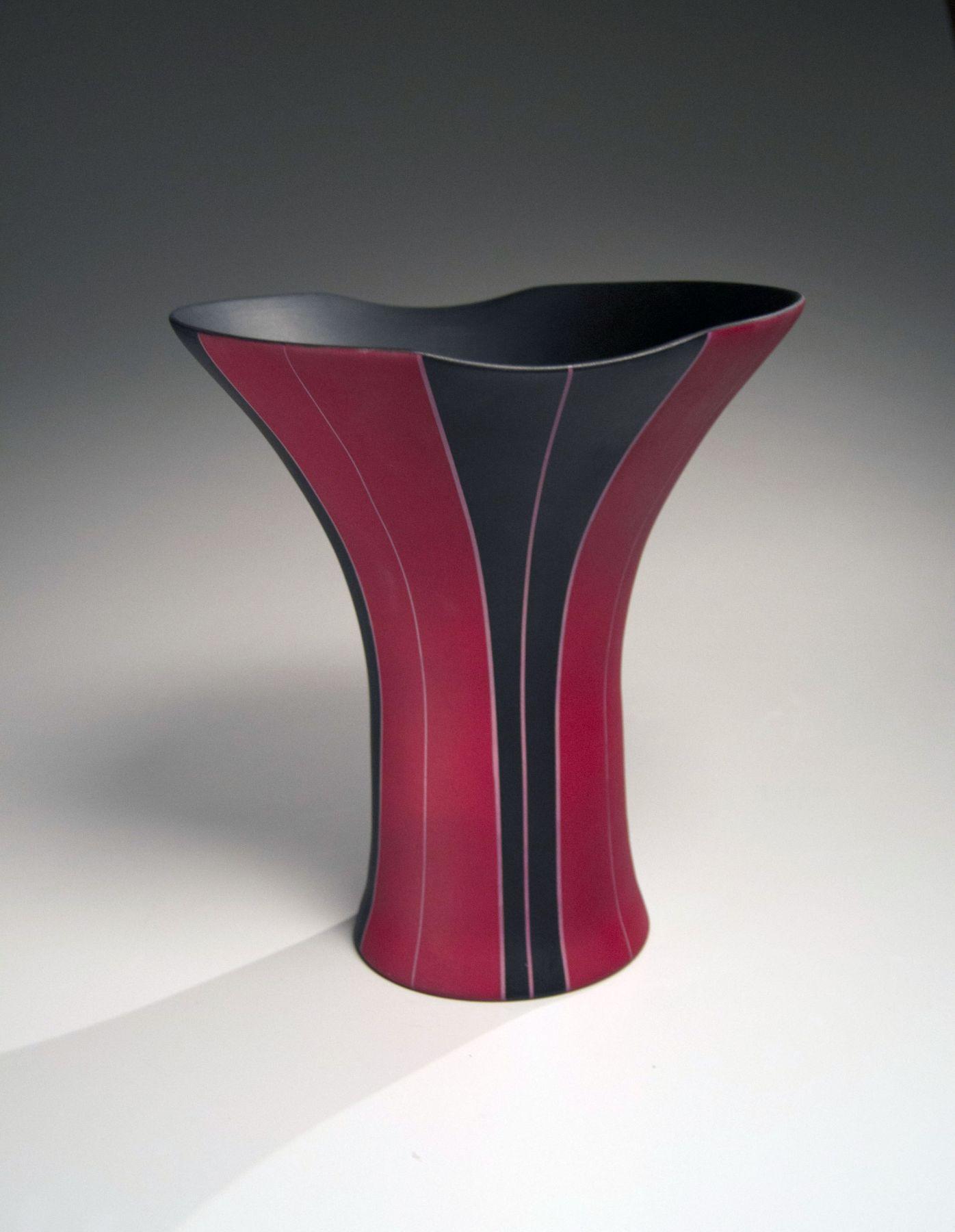 Yamada Akira (b. 1959), Black and red striped vase