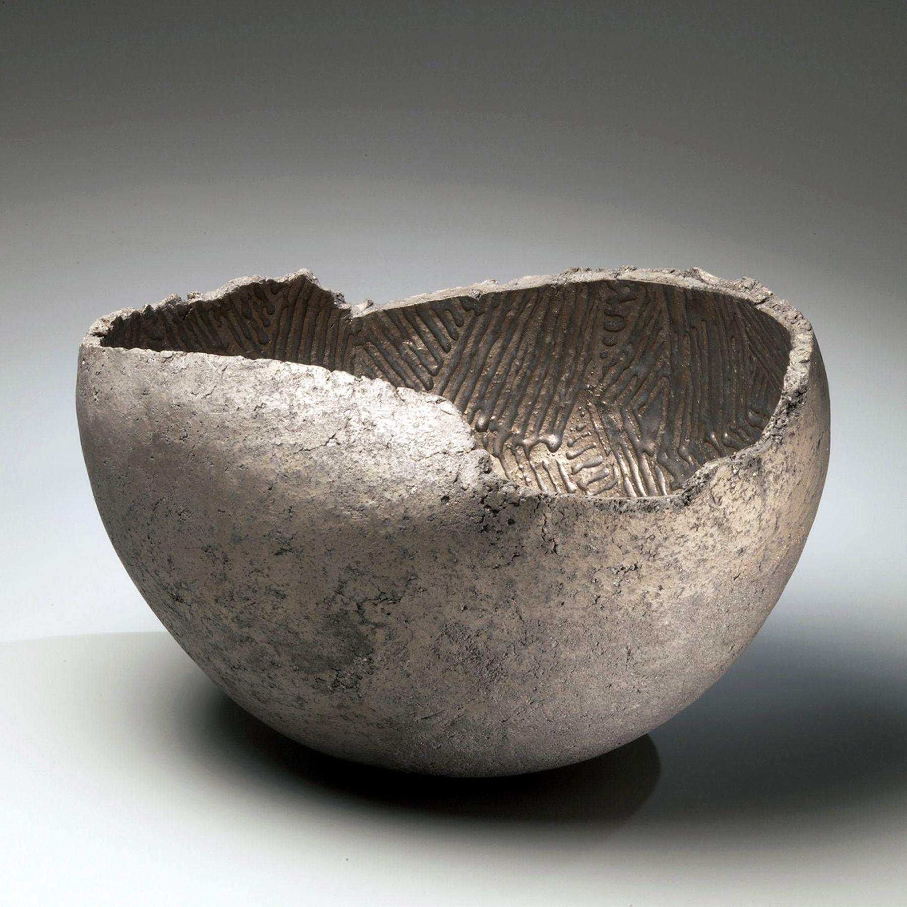 Ogawa Machiko, Silver and platinum-glazed vessel, 2009. Glazed stoneware, Japanese modern, contemporary, ceramics, sculpture